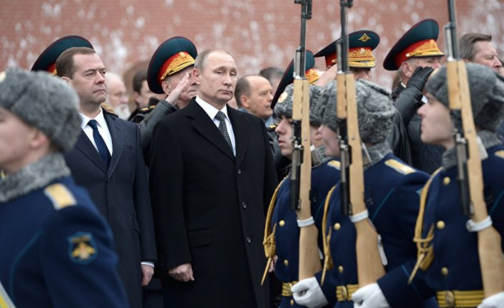 Церемония возложения венка к Могиле неизвестного солдата в День защитника Отечества