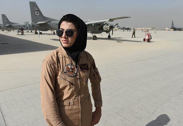 Первая в Афганистане летчица