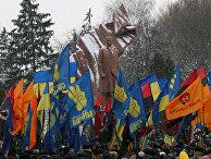 Открытие памятника лидеру Организации украинских националистов Степану Бандере в Тернополе