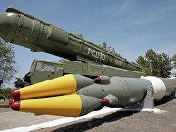 """Ракетный комплекс средней дальности РСД-10 """"ПИОНЕР"""" (по терминологии НАТО - SS-20)"""