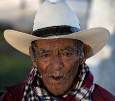 84-летний мексиканец в пограничном Пьедрас-Неграсе