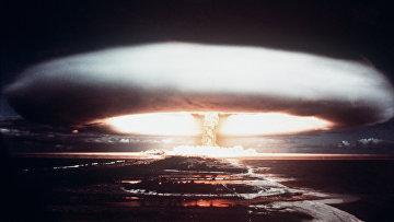 Испытания ядерного оружия на атолле Муророа. 1971