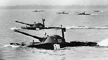 Высадка танков морской пехоты ПТ-76