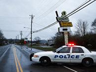 Полиция недалеко от места преступления в ночном клубе Cameo