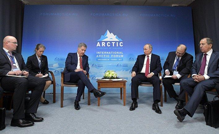 Беседа президента РФ Владимира Путина с президентом Финляндии Саули Ниинистё. 30 марта 2017