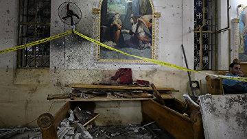 Место взрыва в коптской церкви в городе Танта