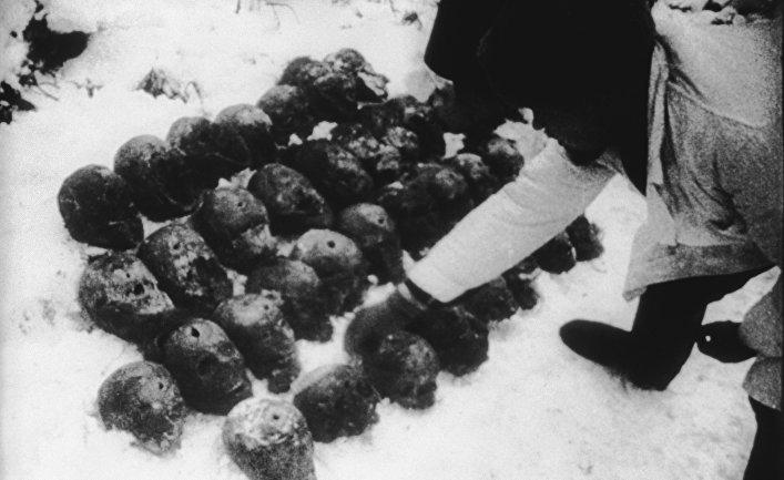 """Кадр из документального фильма """"К вопросу о Катыни"""""""