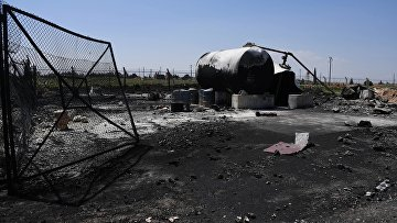 """Последствия ракетного удара США по авиабазе """"Шайрат"""" в Сирии"""