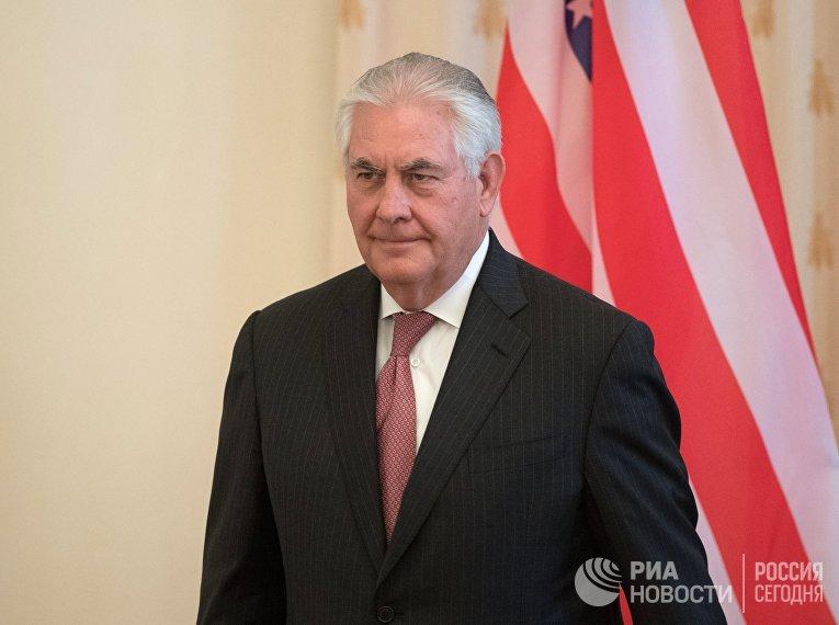 Государственный секретарь США Рекс Тиллерсон во время переговоров в Москве с министром иностранных дер РФ Сергеем Лавровым. 12 апреля 2017