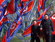 Лидер КНДР Ким Чен Ын на церемонии открытия жилого комплекса на улице Рёминг в Пхеньяне