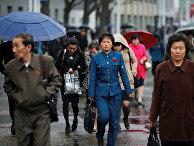 Пешеходы в центре Пхеньяна