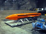 Авиационная бомба MOAB на базе ВВС Эглин