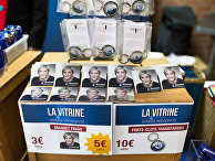 Сувенирная продукция с изображением кандидата в президенты Франции Марин Ле Пен