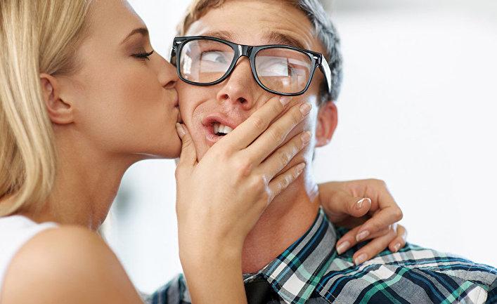 Снятое на домашнее видео занятие любовью мужа и жены