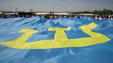 Участники празднования крымско-татарского праздника «Хыдырлез» в Крыму
