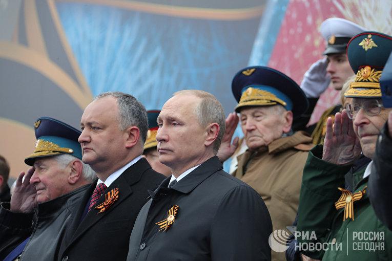 Президент РФ - Верховный главнокомандующий вооружёнными силами РФ Владимир Путин
