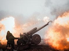 Ополченец Донецкой народной республики на передовой в окрестностях Дебальцево Донецкой области