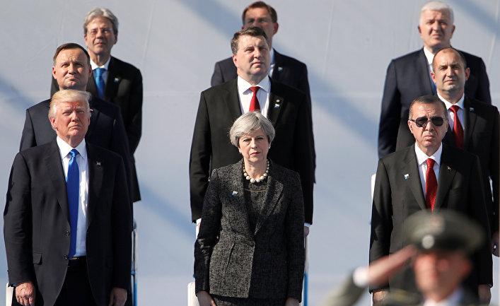 Лидеры стран НАТО в новой штаб-квартире НАТО в Брюсселе