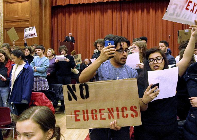 Акция протеста в колледже Миддлбери