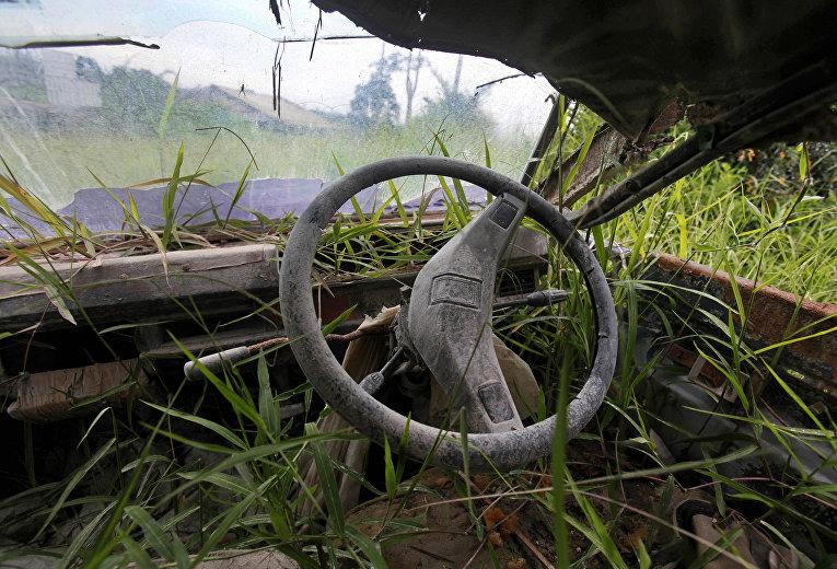 Заросший травой фургон, провинция Северная Суматра, Индонезия