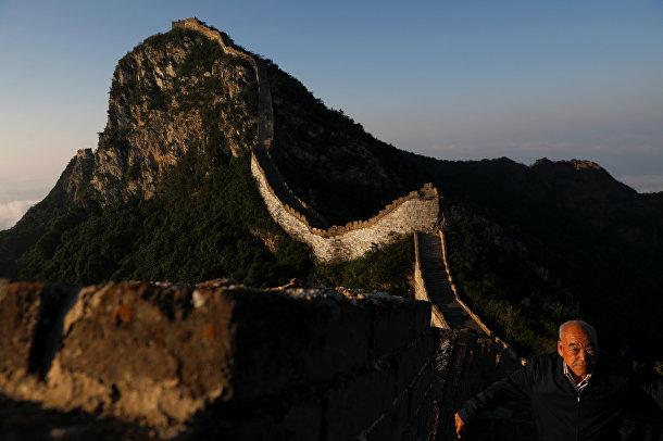 Инженер, отвечающий за проект реконструкции участка Великой Китайской Стены