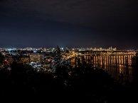 Вид на ночной город Киев со стороны Крещатого парка