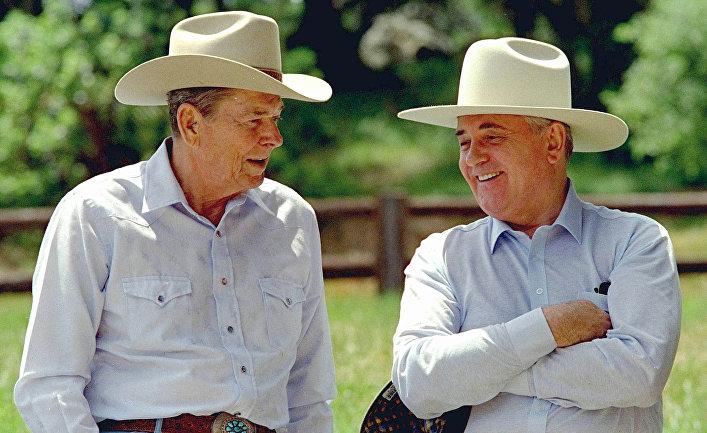 Президент США Рональд Рейган и Генеральный секретарь ЦК КПСС Михаил Горбачев