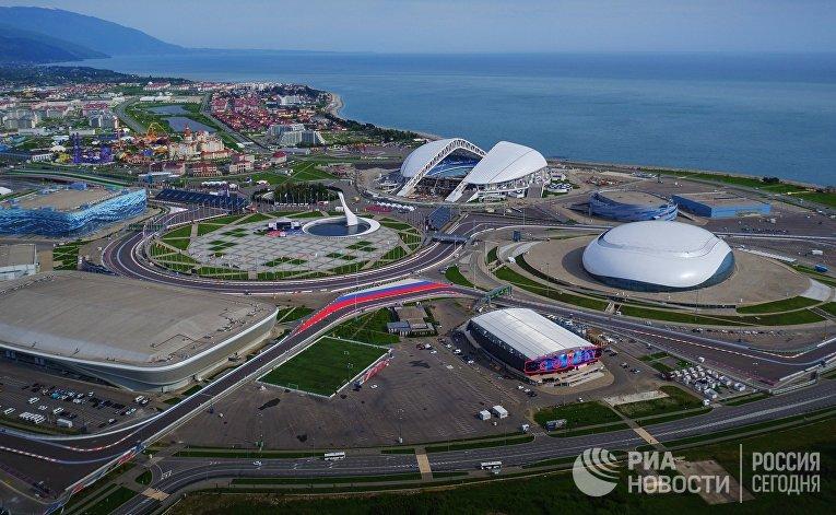Виды автодрома и Олимпийского парка в Сочи