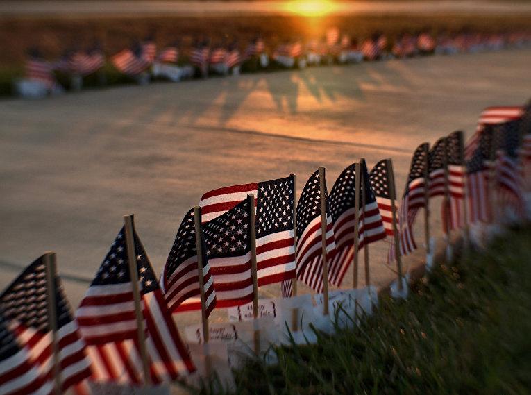 Американские флаги накануне Дня независимости США.