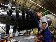 Строительство газовой турбины на заводе Siemens в Берлине