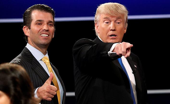 Дональд Трамп-мл. и Дональд Трамп на предвыборном митинге