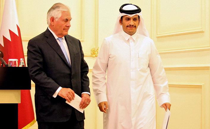 Министр иностранных дел Катара шейх Тамим бен Хамад аль-Тани и госсекретарь США Рекс Тиллерсон