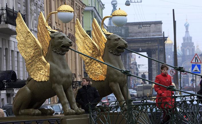 Банковский мост в Санкт-Петербурге