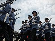 Тайские солдаты на параде в Бангкоке