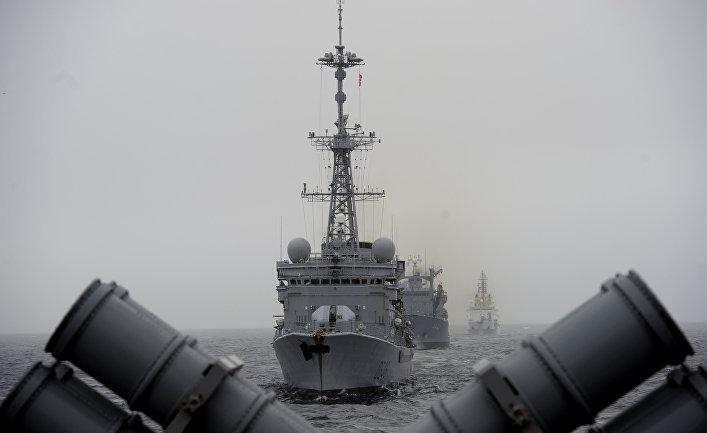 Военные корабли НАТО во время учений в Северном море у берегов Норвегии