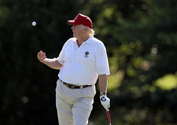 Дональд Трамп в гольф-клубе