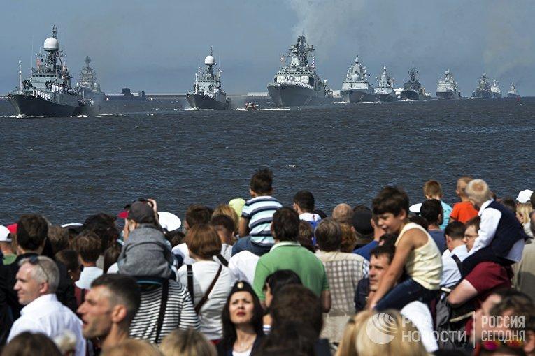 Празднование Дня ВМФ в городах России