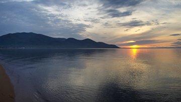Закат над озером Байкал