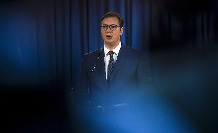Президент Сербии Александр Вучич во время пресс-конференции в Белграде
