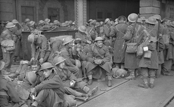 Июнь 1940. Солдаты в ожидании эвакуации из Дюнкерка