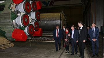 Американский посол Мэри Йованович на украинском предприятии «Южмаш»