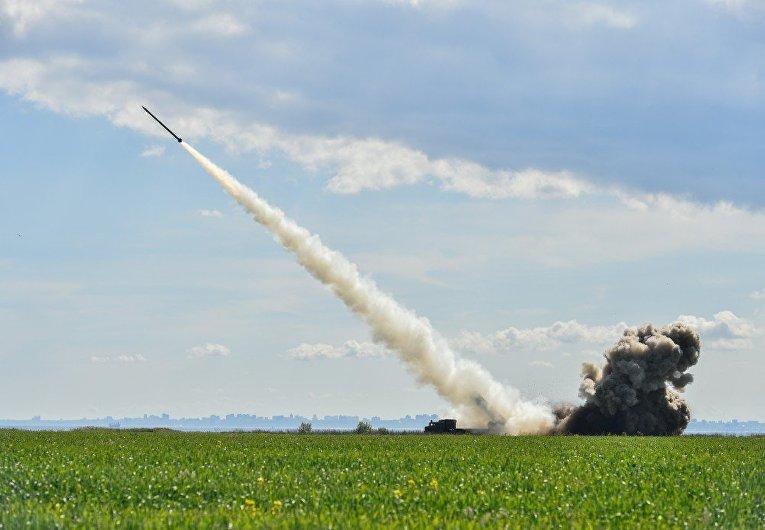 Украинские военные провели испытания новой украинской высокоточной управляемой боевой ракеты, 26 мая 2017