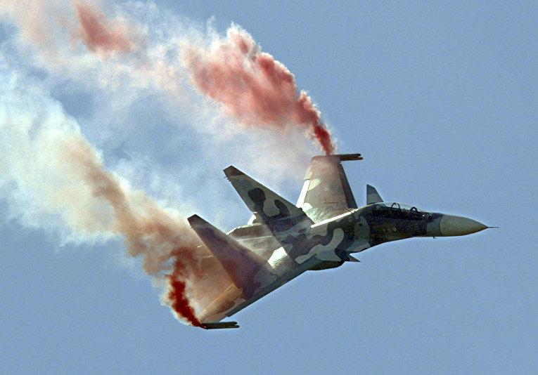 Российский истребитель Су-30МКИ на Московском международном авиасалоне в Жуковском