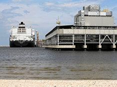 Танкер Clean Ocean в терминале в Свиноуйсьце, Польша