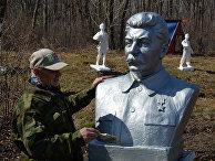 Коллекция советских скульптур и бюстов во Владивостоке