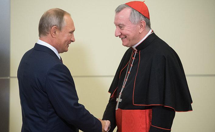 Президент РФ В. Путин встретился с госсекретарём Ватикана П. Паролином
