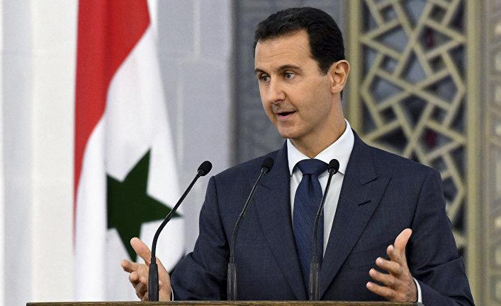 Президент Сирии Башар Асад выступает перед димломатами в Дамаске