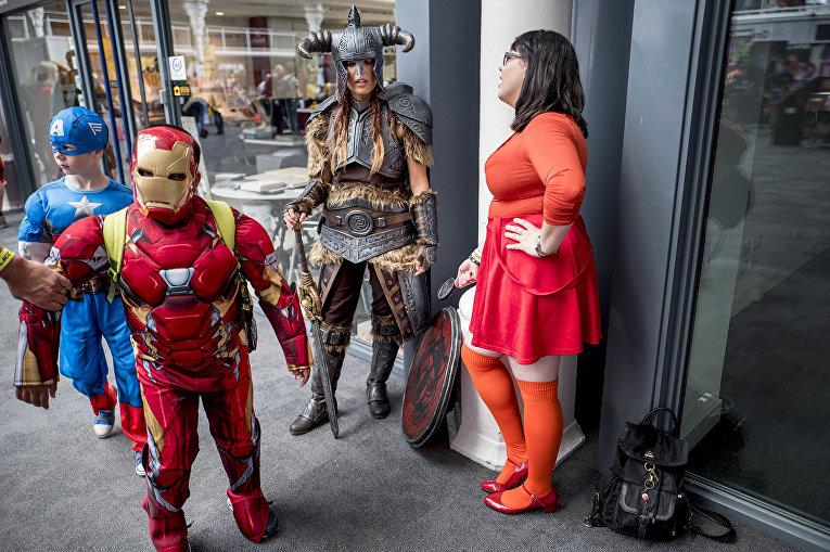 Капитан Америка, Железный человек из комиксов Marvel и Велма Динкли из «Скуби-Ду»
