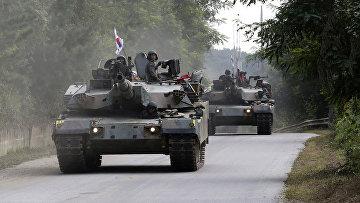 Южнокорейский танк K-1 во время военных учений в Паджу, Южная Корея