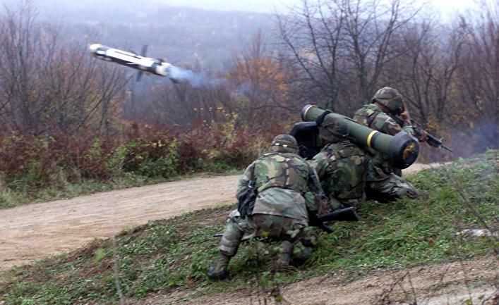 Cолдаты стреляют из ПРТК «Джавелин» в Хорватии